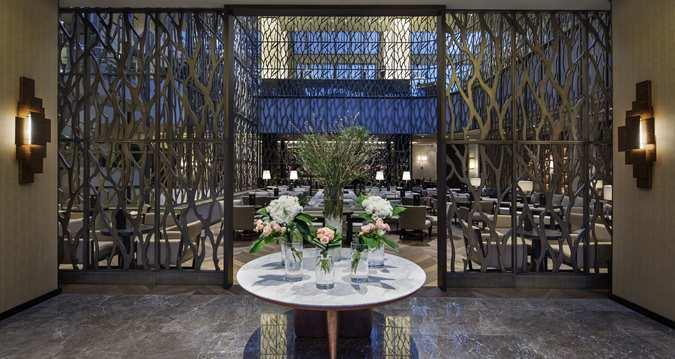 north-cyprus-hotels-hilton-lobby-five-star-luxury