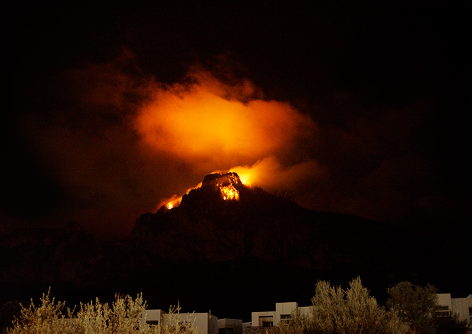 north-cyprus-2014-dagensbild-st hilarion-moln-natt00