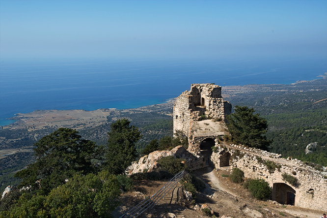 mountain-castle-ruines-esentepe-north-cyprus-view