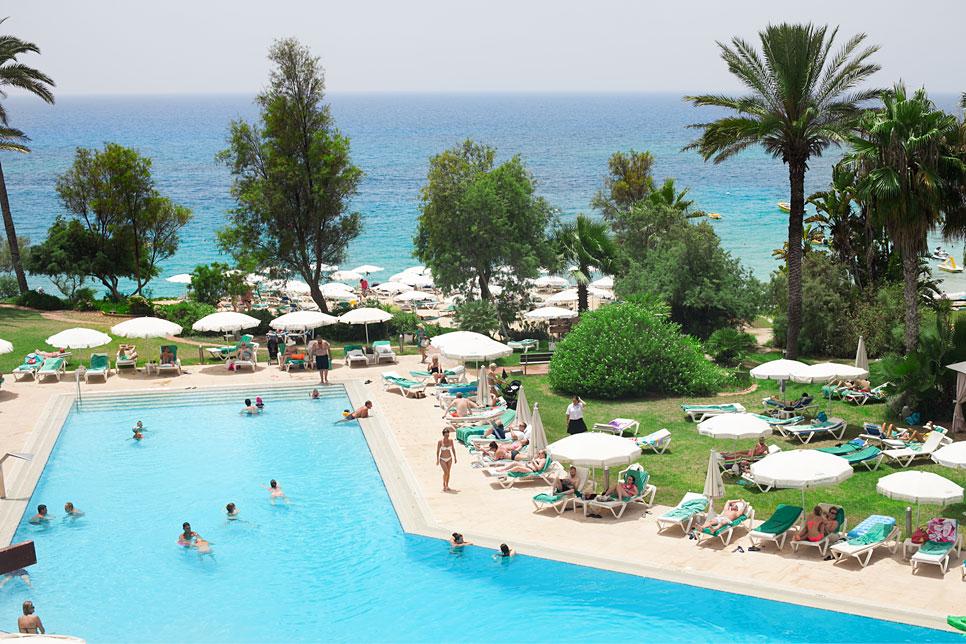Cyprus-tourism-increase-2015-ayia-napa-hotel-pool