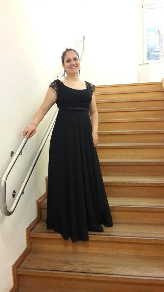 laden-ince-opera-soprano-singer-from-trnc