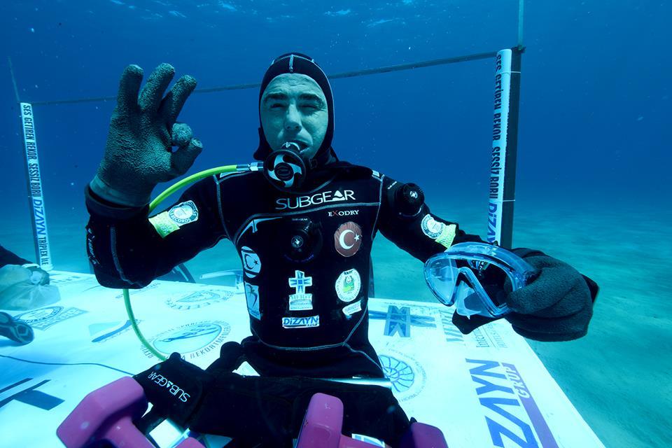 Cem-Karabay-scuba-diver-breaks-record2