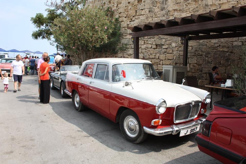 Classic-cars-on-show-kyrenia-harbour