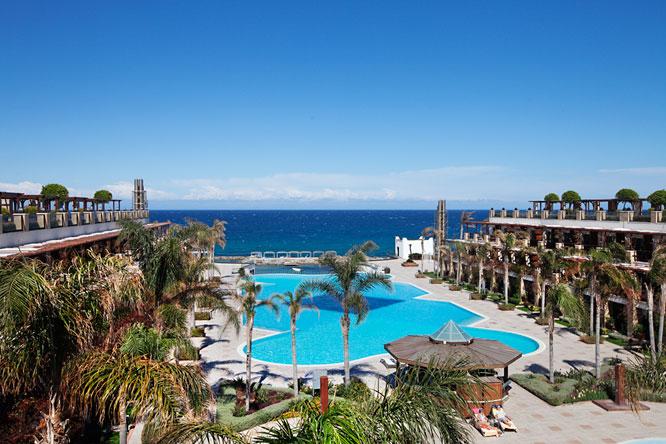 Cratos Hotel Pool