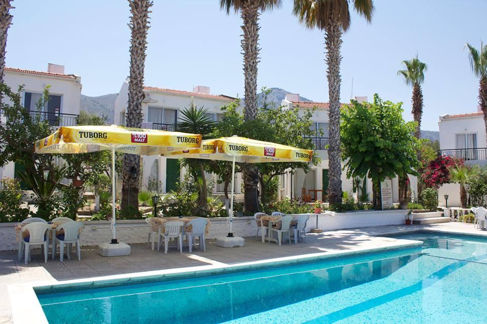 Club Tropicana Pool and Bar