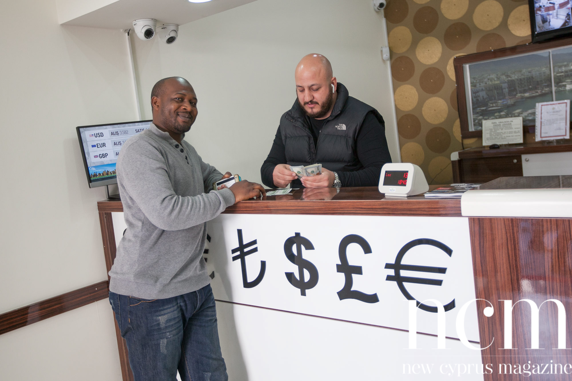 Customer changing money at Exchange
