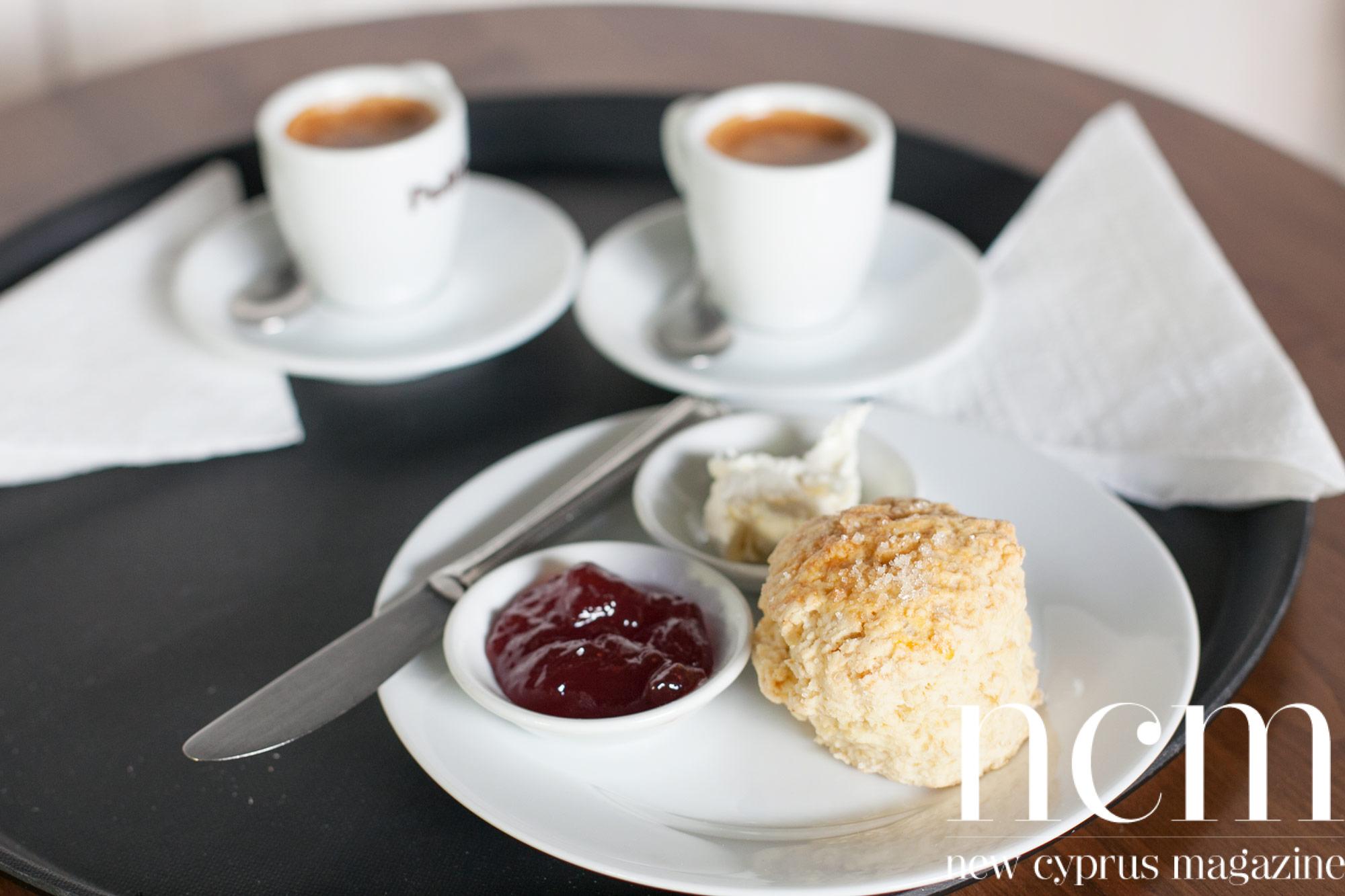 Café Oregano Bellapais, scones