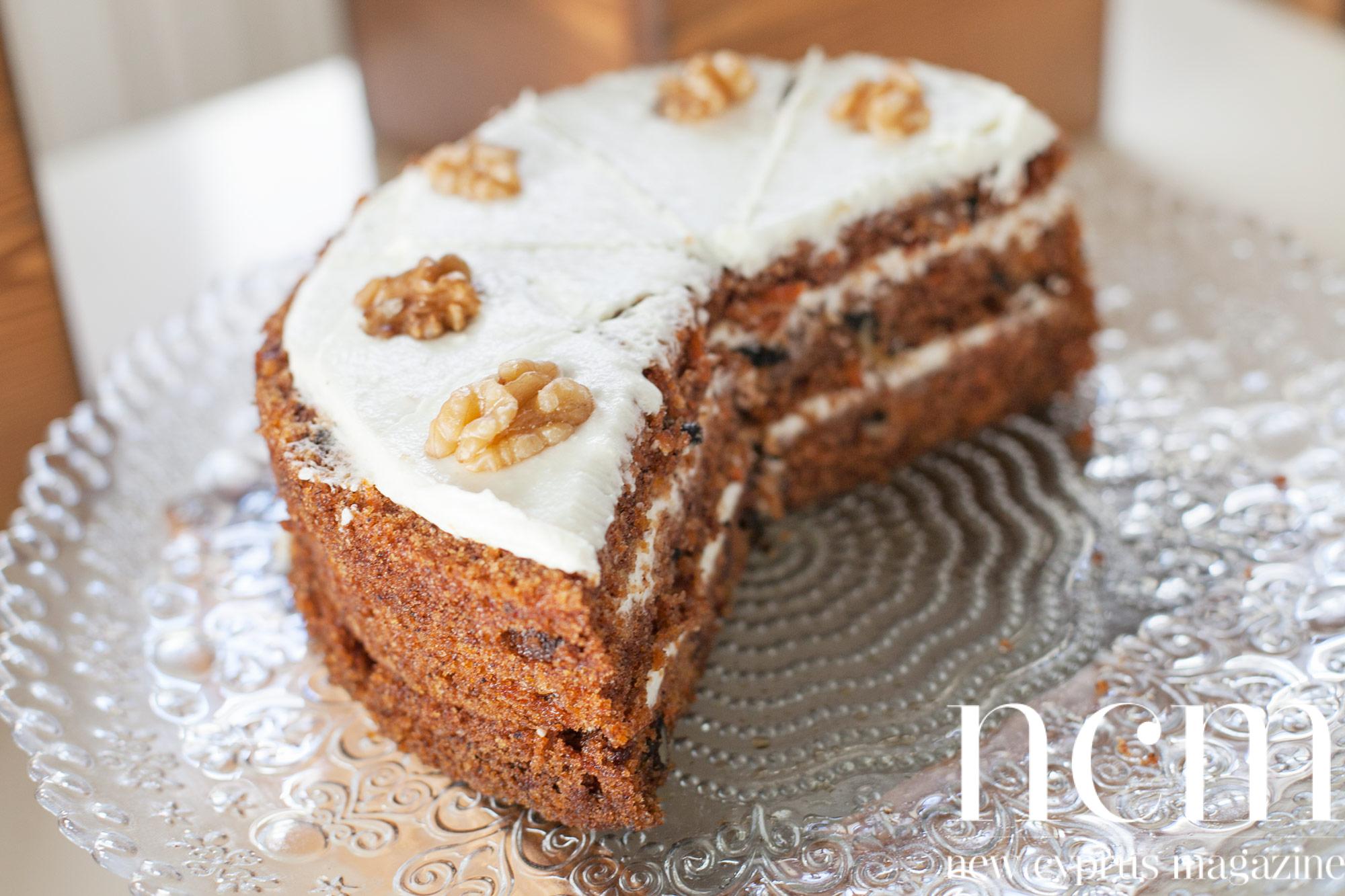 Café Oregano Bellapais, carrot cake