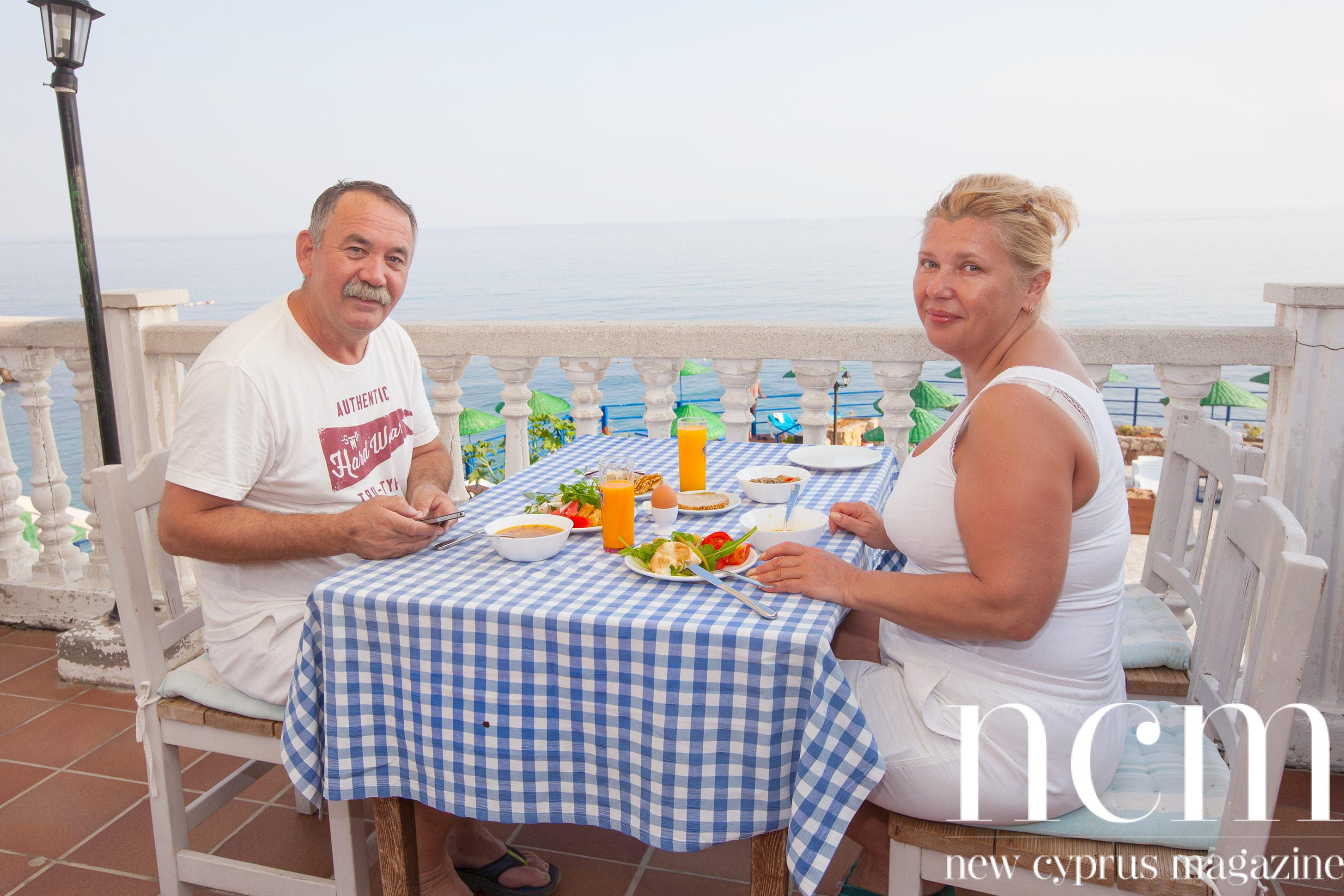 Enjoy the sun, bath and activities at Manolya Hotel